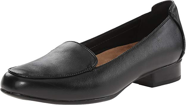 CLARKS Women's Keesha Luca Slip-On Loafer is the best choice for flight attendants.