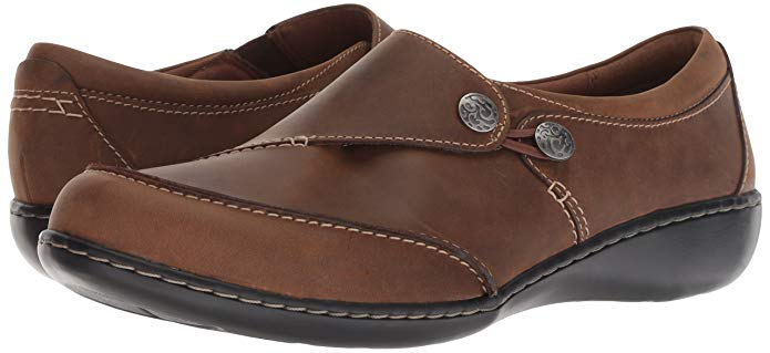 Do you have sesamoiditis? Then take a look at Clarks Women's Ashland Lane Q Slip-On Loafer.